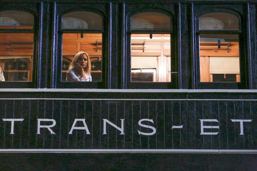 """Obwohl Eleanor (Kristen Bell) ihre Freunde im """"Good Place"""" vermissen wird, glaubt sie, dass es die einzig richtige Entscheidung ist, diesen zu verla... - Bildquelle: Vivian Zink 2016 Universal Television LLC. ALL RIGHTS RESERVED."""
