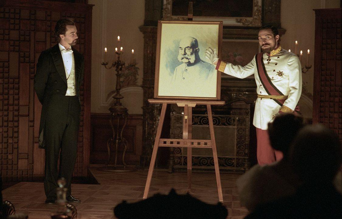 Der Illusionist Eisenheim (Edward Norton, l.) ist der Liebling der Wiener Bevölkerung um die Jahrhundertwende. Als er jedoch bei einer Privatvorstel... - Bildquelle: 2006 Yari Film Group Releasing, LLC.  All Rights Reserved.