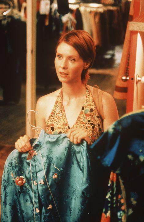 Während einer Shopping-Tour mit Carrie ist Miranda (Cynthia Nixon) außer sich, als sie erfährt, dass sich Carrie auf ein Mittagessen mit Big einl... - Bildquelle: Paramount Pictures