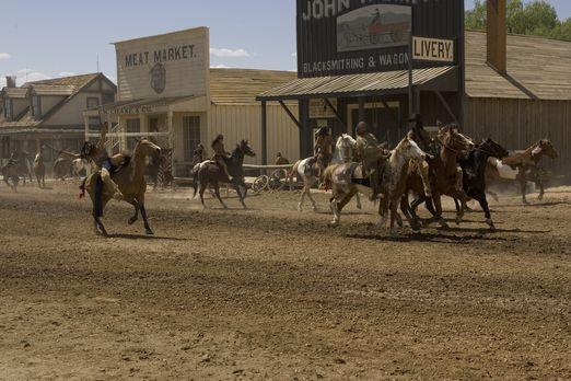 Comanche Moon - Die Komanchen greifen Austin an und sorgen durch ihren Überra...