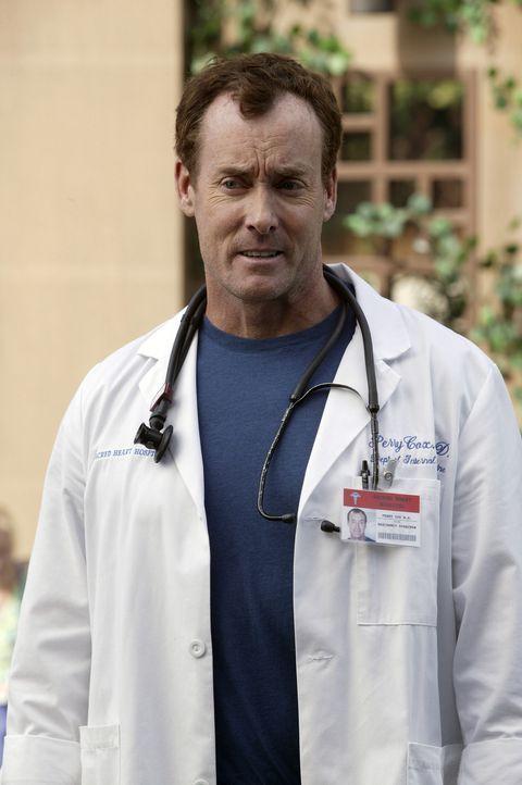Hat Dr. Cox (John C. McGinley) Recht mit seiner Annahme, dass Dr. Kelso eine lange Laudatio von J.D. erwartet? - Bildquelle: Touchstone Television