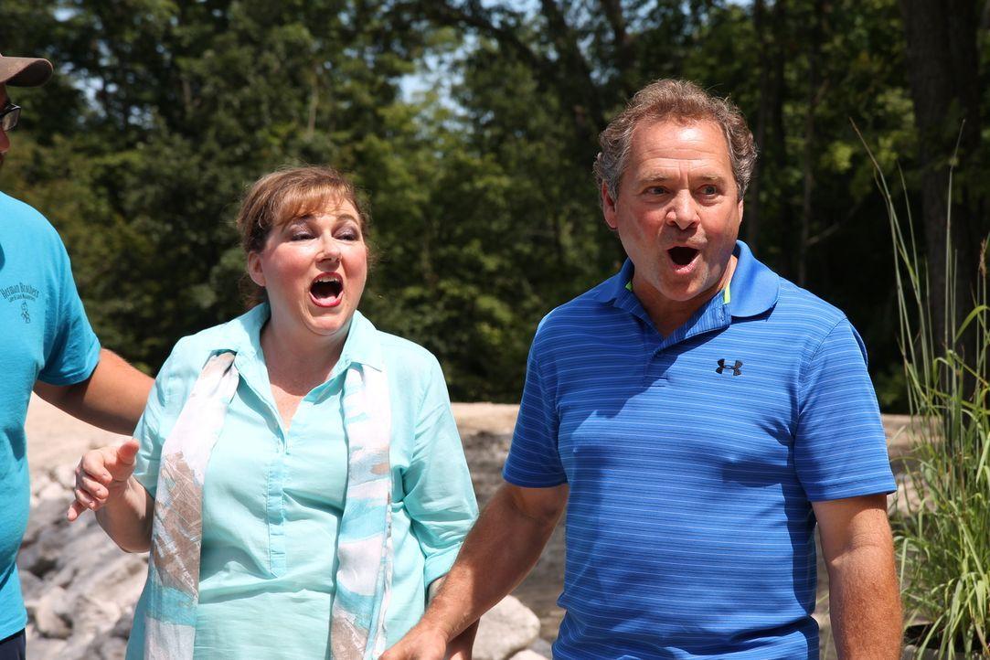 Teresa und Wendell sind fasziniert was die Herrmanns aus ihrem Anwesen gezaubert haben ... - Bildquelle: 2016,DIY Network/Scripps Networks, LLC. All Rights Reserved.