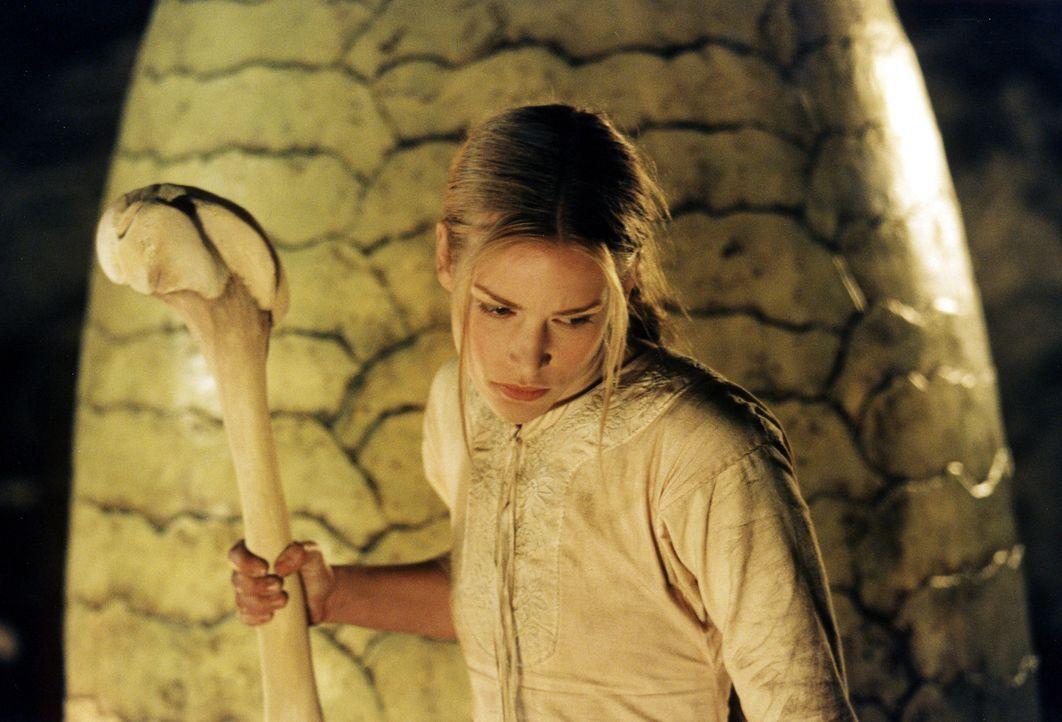 Zur Überraschung ihrer Retter ist die temperamentvolle Prinzessin (Piper Perabo) bereit, dass riesengroße Drachenei mit ihrem Leben zu verteidigen .... - Bildquelle: ApolloMedia