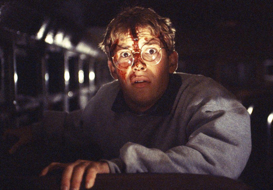 Bucky (Billy Aaron Brown) ist nicht bereit, sich kampflos dem blutrünstigen Dämon zu ergeben ... - Bildquelle: Kinowelt GmbH