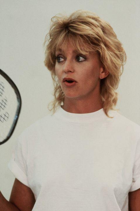 Noch ahnt Molly McGrath (Goldie Hawn) nicht, wie hart ihr Job als Football-Trainerin wirklich werden wird ... - Bildquelle: Warner Bros.
