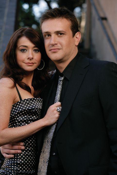 (2. Staffel) - Erleben gemeinsam verrückte Zeiten: Marshall (Jason Segel, r.) und Lily (Alyson Hannigan, l.) ... - Bildquelle: 20th Century Fox International Television