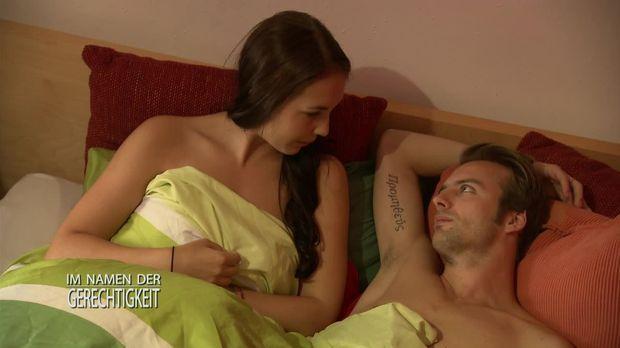 Im Namen Der Gerechtigkeit - Im Namen Der Gerechtigkeit - Staffel 1 Episode 32: Kündigungsgrund: Zu Sexy