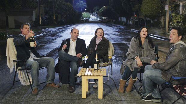 Valentinstag in Cougar Town: (v.l.n.r.) Bobby (Brian Van Holt), Andy (Ian Gom...