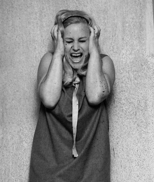 """Nachdem sich Allison (Patricia Arquette) im Traum im Film """"Die Nacht der lebenden Toten"""" gesehen hat und am nächsten Morgen mit einer Bisswunde an d... - Bildquelle: Paramount Network Television"""