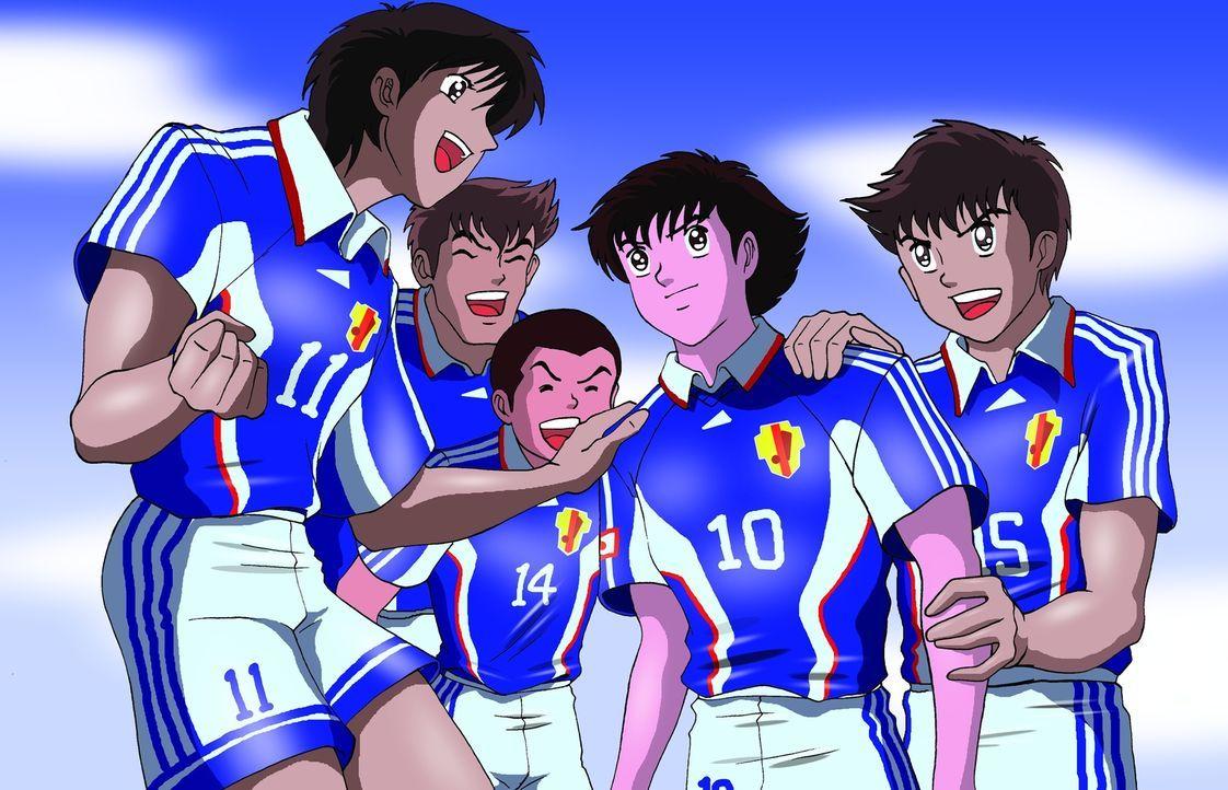 Tsubasa (2.v.r.) ist zurück und mittlerweile ein erfolgreicher Profifußballer in Brasilien. Er träumt davon, bald in einer europäischen Mannschaft s... - Bildquelle: 1983, 2012 YOUICHI TAKAHASHI·SHUEISHA· TV TOKYO·ENOKI FILMS