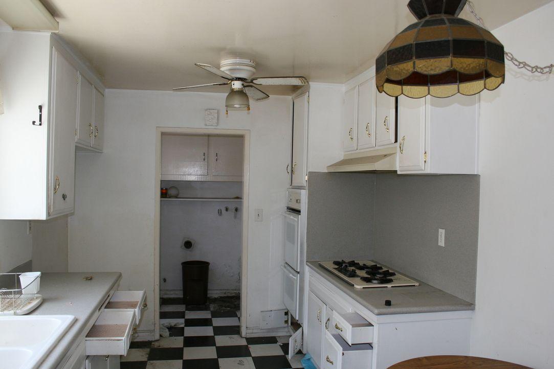 Noch gibt die Küche nichts her, doch Sarah und Tarek haben schon neue Pläne für sie ... - Bildquelle: 2014,HGTV/Scripps Networks, LLC. All Rights Reserved