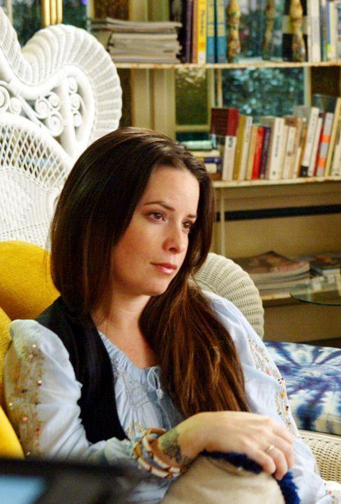 Nach all dem, was passiert ist, ist Piper (Holly Marie Combs) unglücklich, dass ihre Schwestern ausgezogen sind, aber sie lässt sich nichts anmerken... - Bildquelle: Paramount Pictures.