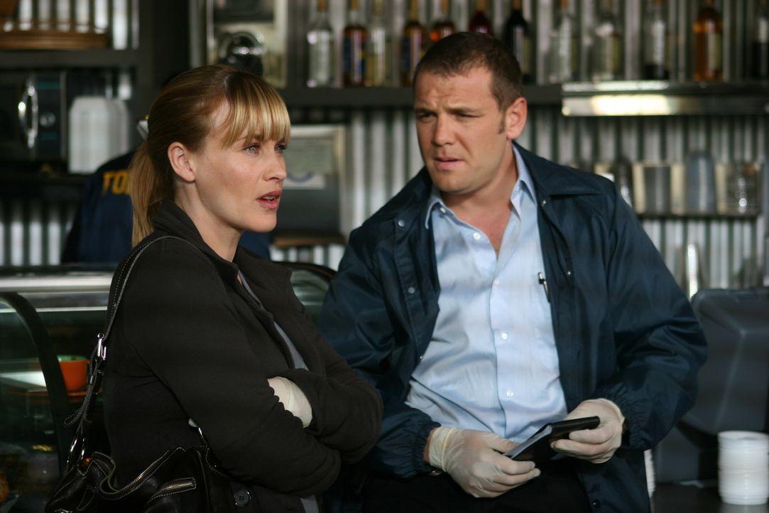 Jessie steht unter Verdacht, seine Mutter getötet zu haben. Allison (Patricia Arquette, l.) glaubt fest an seine Unschuld, doch Detective Lee Scanlo... - Bildquelle: Paramount Network Television