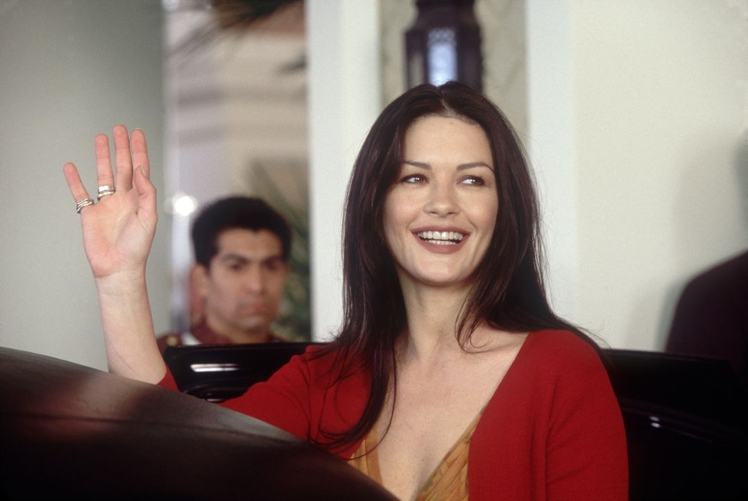 Obwohl die Beziehung zwischen Gwen und Eddie schon lange in die Brüche gegangen ist, wird für die Öffentlichkeit noch einmal heile Welt gespielt:... - Bildquelle: 2004 Senator Film, alle Rechte vorbehalten.