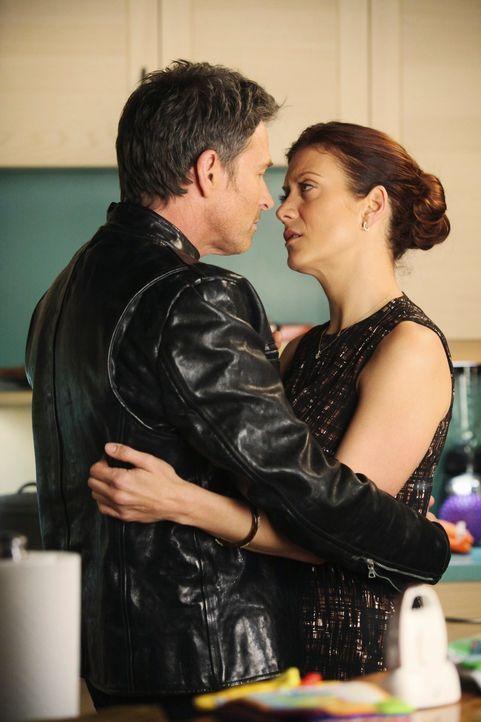 Noch sind Pete (Tim Daly, l.) und Addison (Kate Walsh, r.) glücklich miteinander, doch schon bald wird ihre Beziehung auf eine harte Probe gestellt... - Bildquelle: ABC Studios