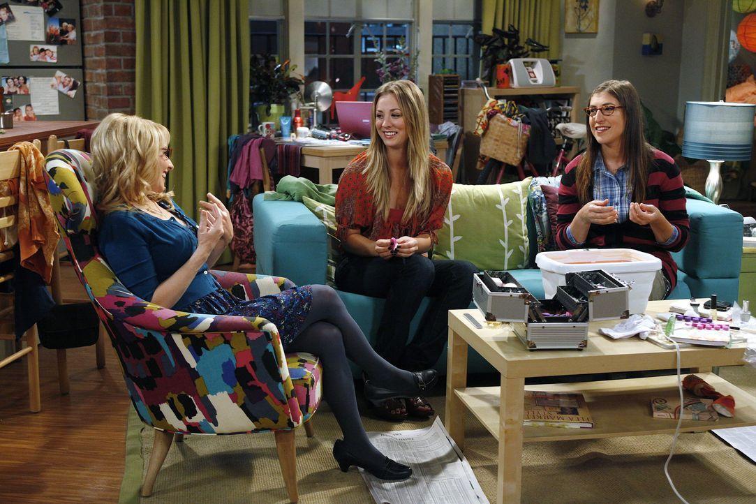 Wollen für Raj eine Freundin suchen: Penny (Kaley Cuoco, M.), Amy (Mayim Bialik, r.) und Bernadette (Melissa Rauch, l.) ... - Bildquelle: Warner Bros. Television