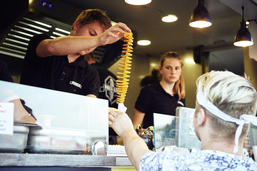 """Das Essen bei """"Patata Loca"""" schmeckt nicht nur, sondern hat auch optisch einiges zu bieten ... - Bildquelle: Marco Nagel kabel eins"""