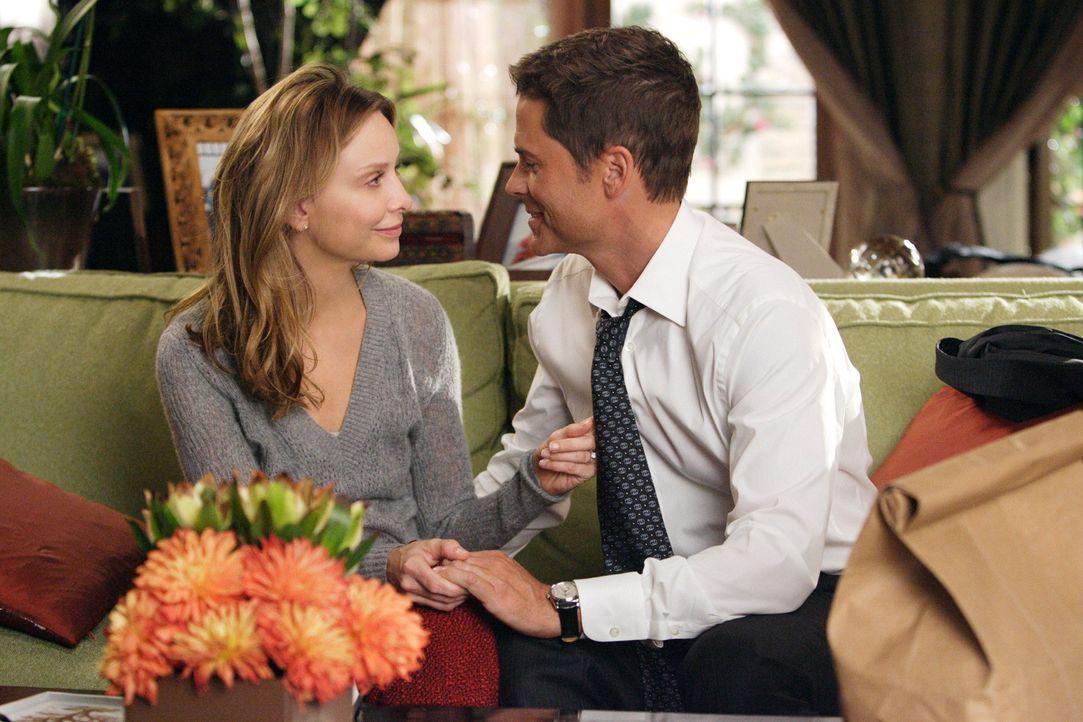 Möchte ihren Verlobten Ryan (Rob Lowe, r.) schnellstmöglich heiraten und Kinder bekommen: Kitty (Calista Flockhart, l.)... - Bildquelle: Disney - ABC International Television