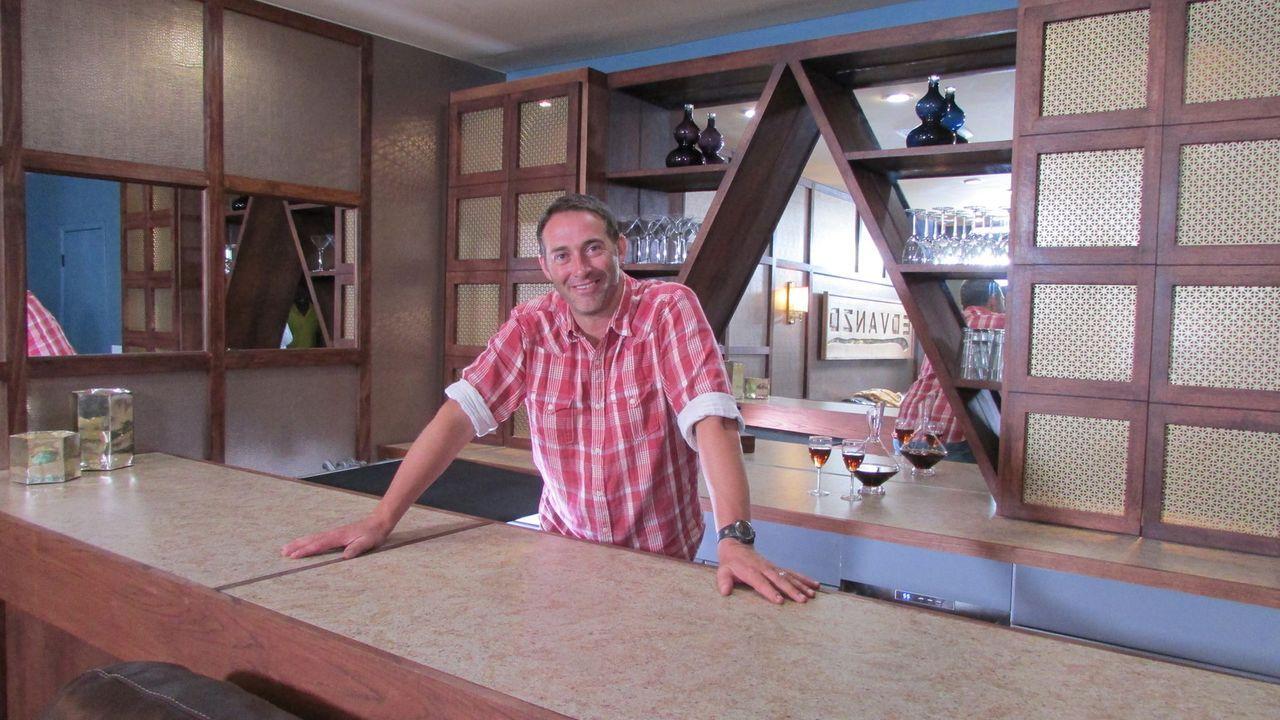 (11. Staffel) - Wer Josh Temples Hilfe annimmt, erhält innerhalb von 3 Tagen einen komplett neu gestalteten Raum. Allerdings muss ihm der Kunde blin... - Bildquelle: 2015, DIY Network/Scripps Networks, LLC. All Rights Reserved.