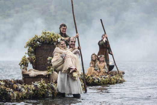 Vikings - Während Siggy ihre eigenen Pläne verfolgt, besiegeln Floki (Gustaf...