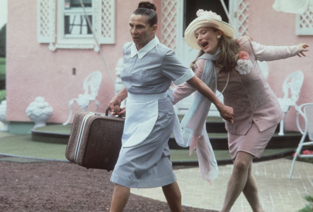 Auch der Ehebrecherin (Meryl Streep, r.) macht Ruth das Leben zur Hölle: Ohne Personal muss Mary jetzt die niederen Hausarbeiten wohl oder übel se... - Bildquelle: 20th Century Fox