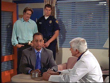 Diagnose: Mord - Dr. Sloan (Dick Van Dyke, r.) und sein Sohn Steve (Barry Van...