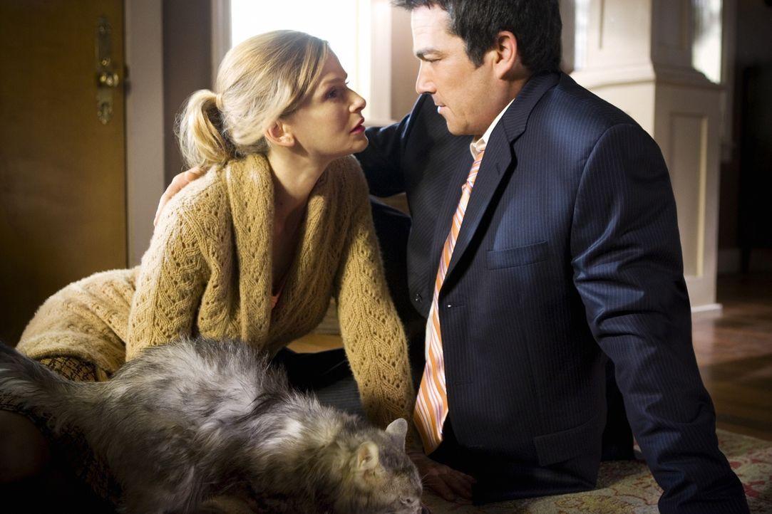 Wie geht es mit Brenda (Kyra Sedgwick, l.) und Fritz (Jon Tenney, r.) weiter? - Bildquelle: Warner Brothers