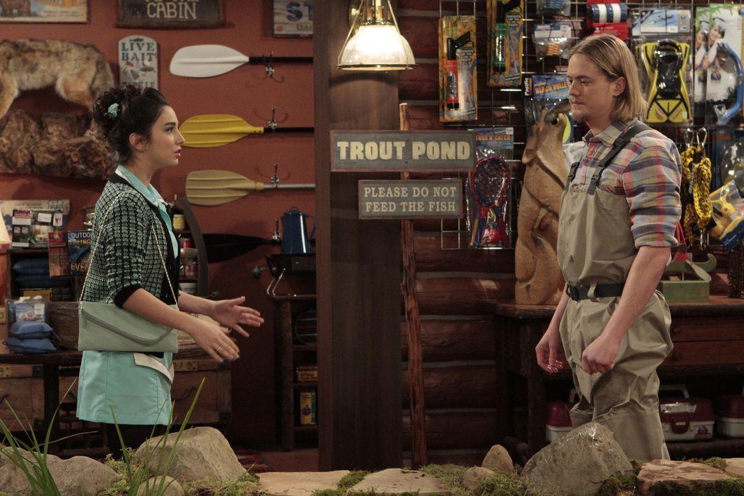 Mandy (Molly Ephraim, l.) ist schwer enttäuscht von Kyle (Christoph Sanders, r.), weil der kein bisschen eifersüchtig auf den neuen Fußballtrainier... - Bildquelle: 2011 Twentieth Century Fox Film Corporation