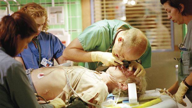 Ärzteschicksal: Dr. Greene (Anthony Edwards, M.) verliert einen Patienten. ©...