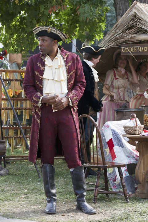 Seine private Misere vereinnahmt Lavon (Cress Williams) so sehr, dass er seine Pflichten als Bürgermeister zum ungünstigsten Zeitpunkt vernachlässig... - Bildquelle: Warner Bros.