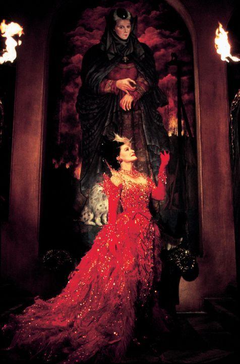 Ist wieder auf freiem Fuß: Cruella de Vil (Glenn Close) ... - Bildquelle: Walt Disney Pictures