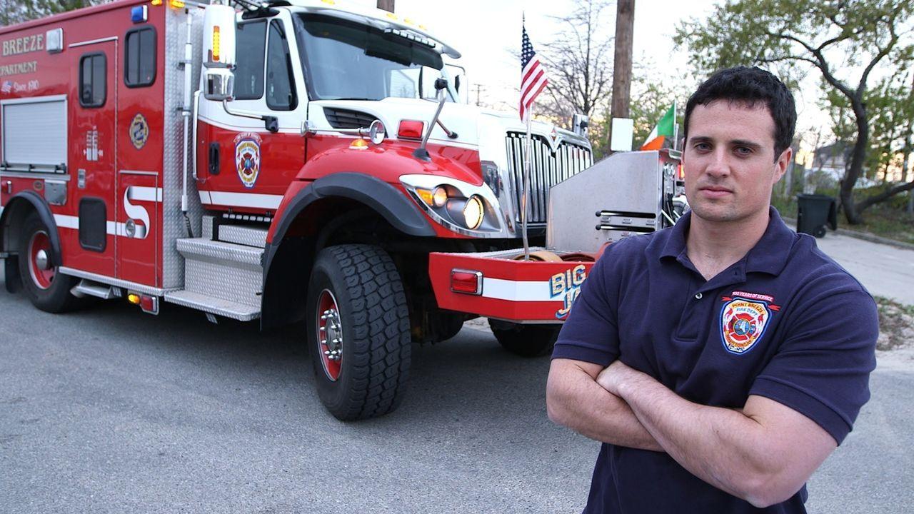 Die Helden von Superstorm Sandy: Der New Yorker Feuerwehrmann Michael Scotko (Foto) rettete nicht nur Menschenleben, sondern setzte beim Kampf gegen... - Bildquelle: 2014 The Weather Channel LLC