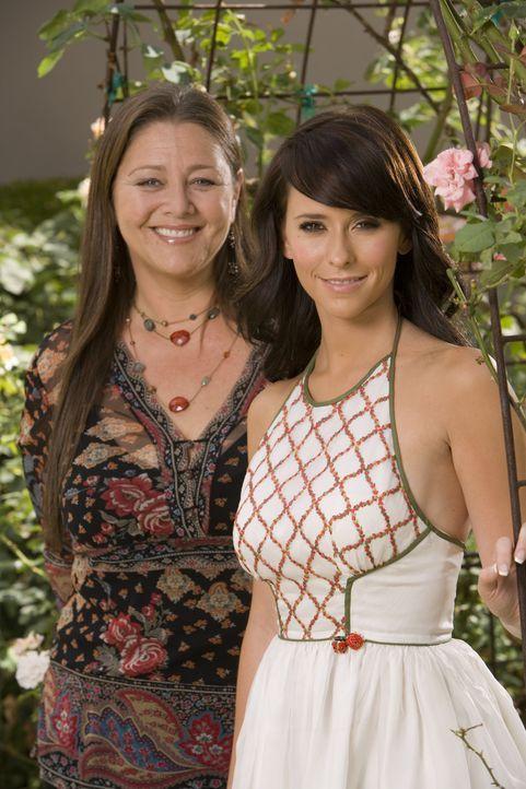 (2. Staffel) – Nach dem Tod ihrer Kollegin Andrea freundet sich Melinda (Jennifer Love Hewitt, r.) mit der erfolgreichen Immobilienmaklerin Delia Ba... - Bildquelle: ABC Studios