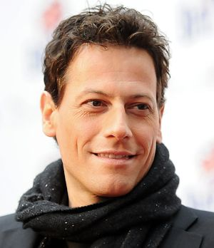 Ioan-Gruffudd-120424-1-getty-AFP-300x348 - Bildquelle: getty-AFP