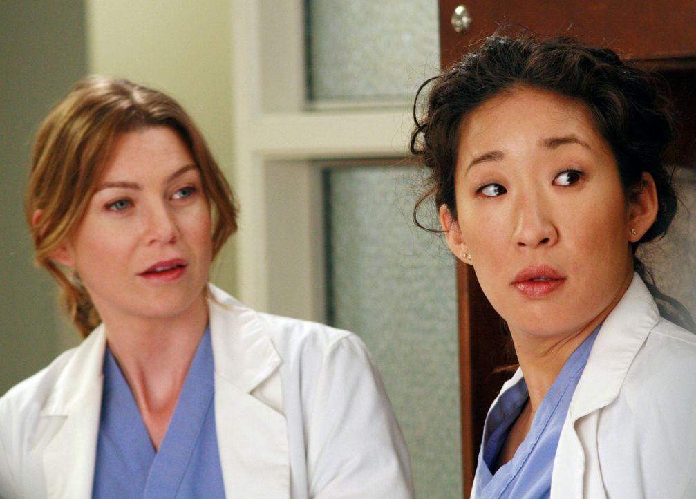 Während sich Meredith (Ellen Pompeo, l.) von der Asche ihrer Mutter verfolgt fühlt, legt Cristina (Sandra Oh, r.) mit Dr. Hahn an und ahnt nicht,... - Bildquelle: Touchstone Television