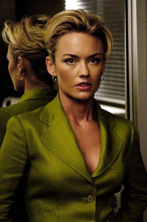Kann nicht glauben, was ihr und Christian vorgeworfen wird: Kimber (Kelly Carlson) ... - Bildquelle: TM and   2005 Warner Bros. Entertainment Inc. All Rights Reserved.