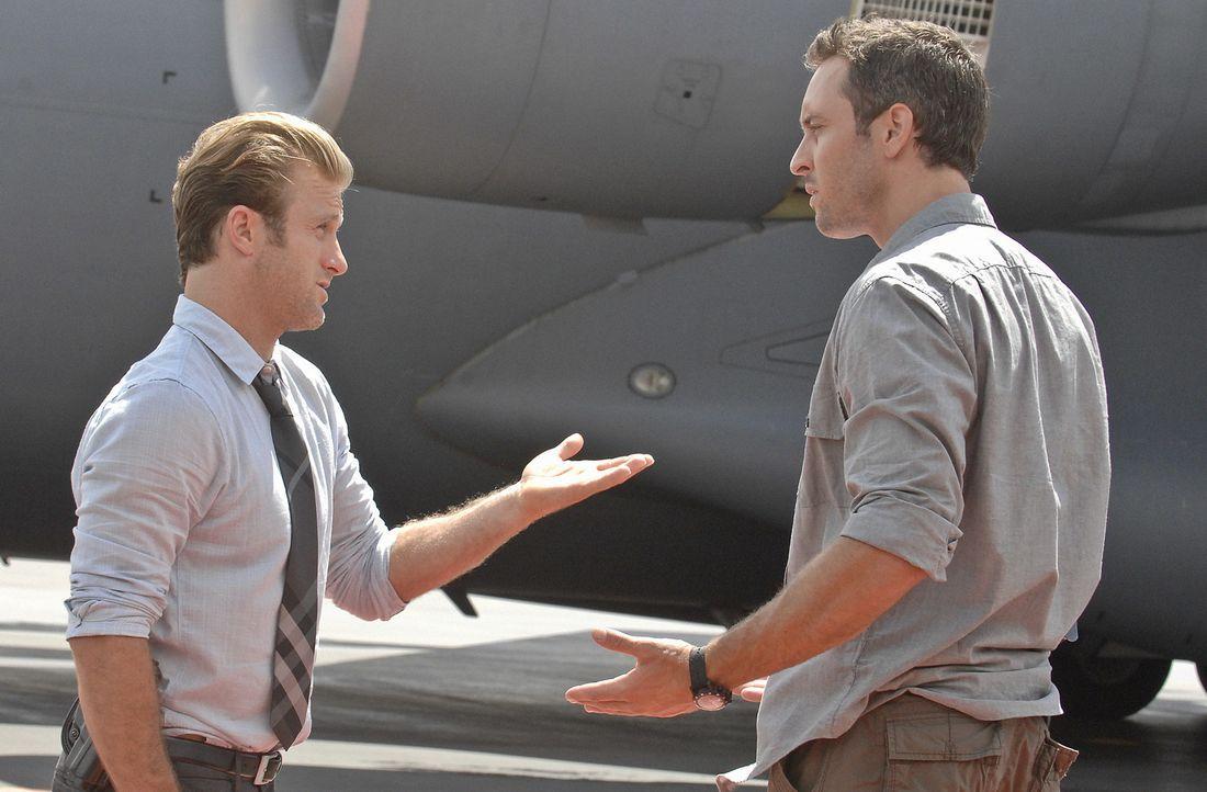 Werden mit einem neuen Fall beauftragt: Steve (Alex O'Loughlin, l.) und Danny (Scott Caan, r.) ... - Bildquelle: TM &   2010 CBS Studios Inc. All Rights Reserved.