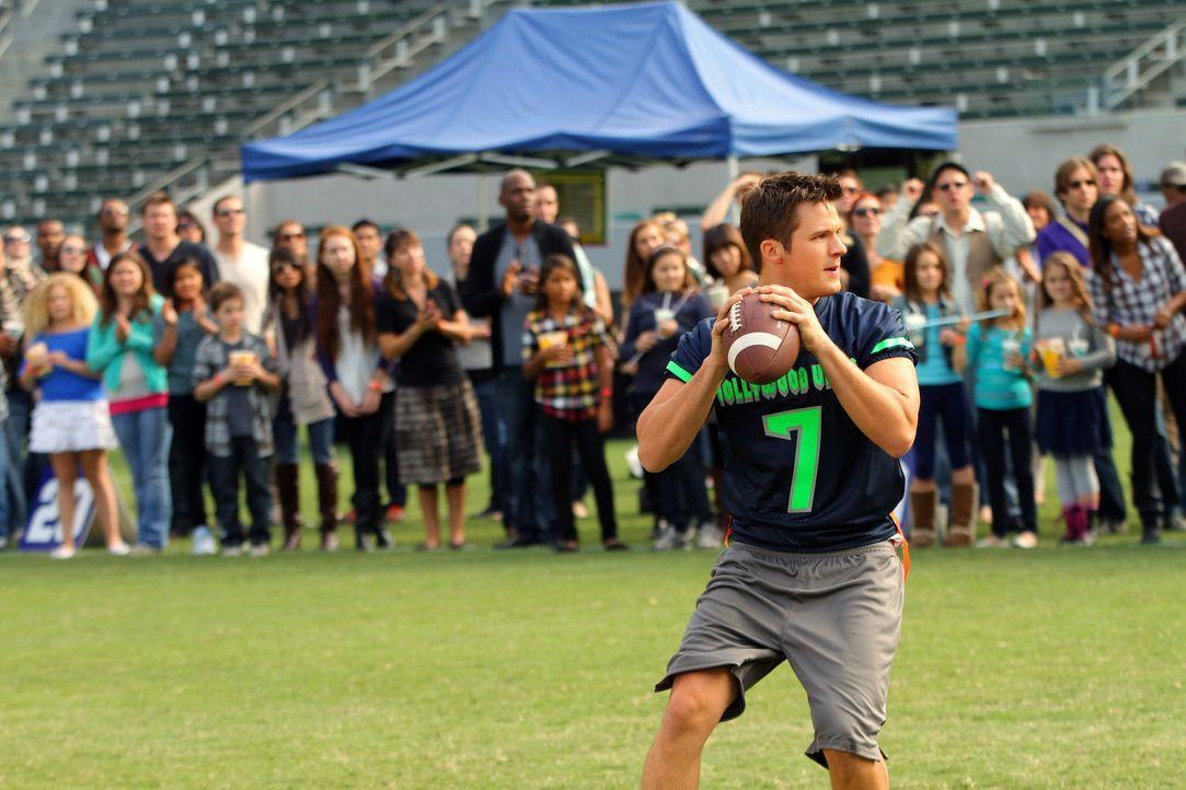 Liam Court (Matt Lanter) spielt das Spiel seines Lebens. Bei dem Rugby - Match sind einige Talent Scouts vertreten. Wird er sie beeindrucken können... - Bildquelle: 2013 The CW Network. All Rights Reserved