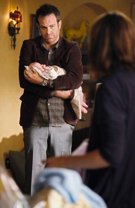 Für Cooper (Paul Adelstein, l.) ist es nicht leicht, Violet (Amy Brenneman, r.) zu besuchen, da er sich zu große Vorwürfe macht ... - Bildquelle: ABC Studios