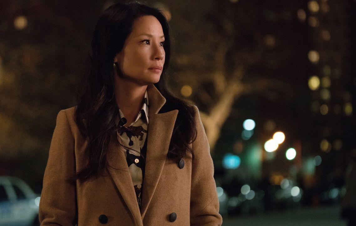 Nicht nur muss Joan (Lucy Liu) einem Mordfall ohne Beweismittel nachgehen, auch wird sie von ihrer alten Rivalin beim NYPD um Hilfe in deren neustem... - Bildquelle: Michael Parmelee 2015 CBS Broadcasting Inc. All Rights Reserved.