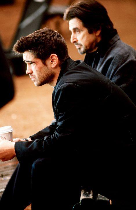 Kaum aus dem Ausbildungscamp entlassen, rekrutiert CIA-Ausbilder Walter Burke (Al Pacino, r.) erneut James Clayton (Colin Farrell, l.). Er soll Layl... - Bildquelle: SPYGLASS ENTERTAINMENT GROUP.LP.ALL RIGHTS RESERVED