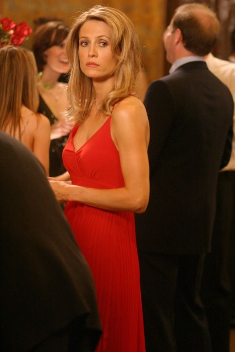 Zwischen Sandy und Kirsten (Kelly Rowan) kriselt es, da Sandy im Gegensatz zu Kirsten nicht allzu viel vom Valentinstag hält ... - Bildquelle: Warner Bros. Television