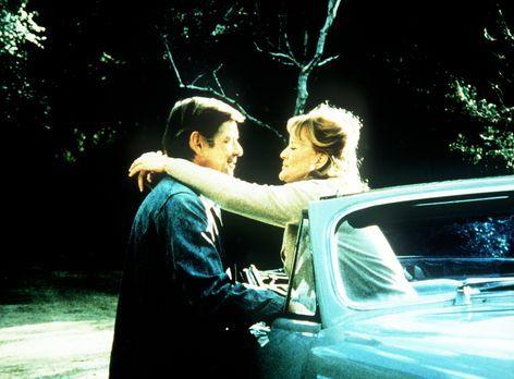 Die Waltons - Callie May Jordan (Dorothy Tristan, r.) hat ihre alten Gefühle...