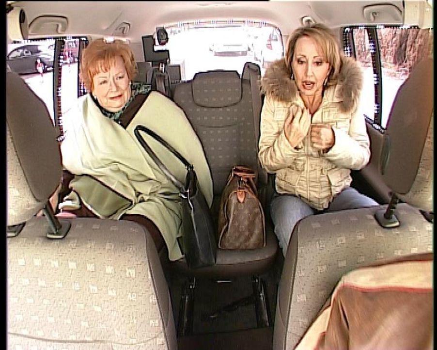 """Im """"Quiz Taxi"""": Hildegard Krekel ... - Bildquelle: kabel eins"""