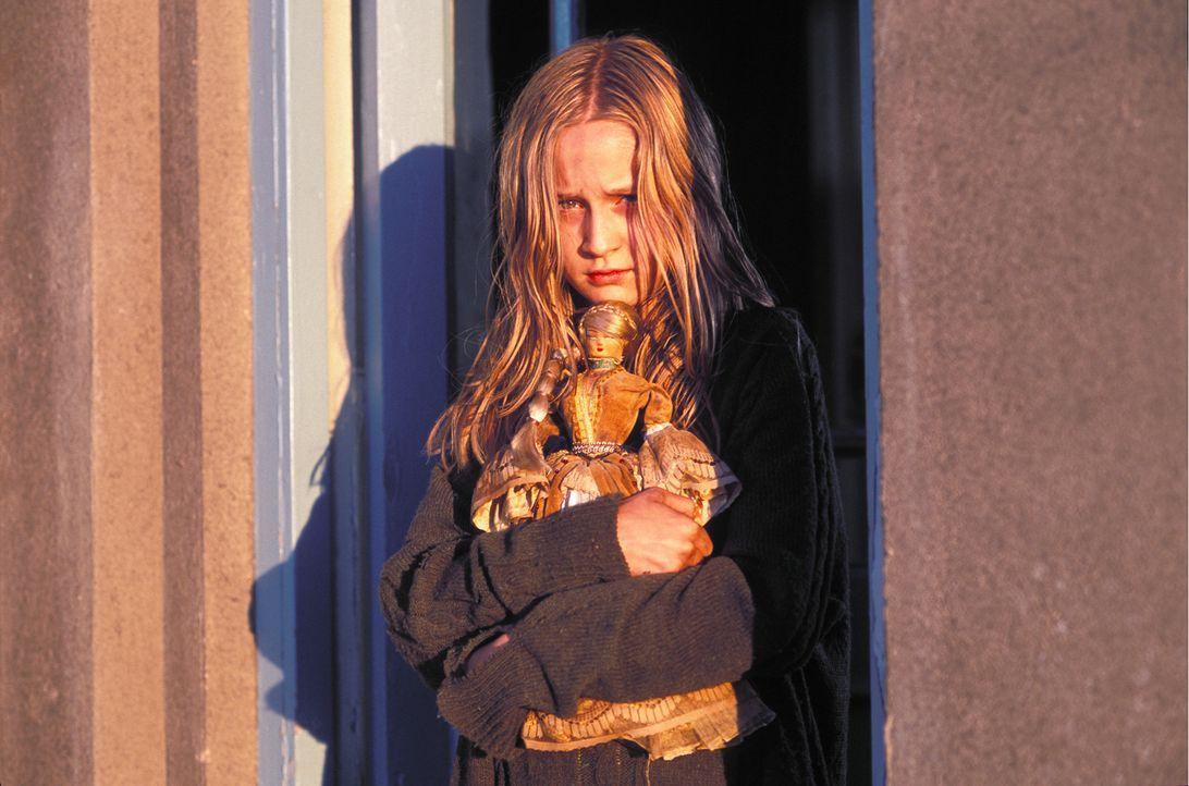 Nach und nach stellt sich heraus, dass das idyllische Plätzchen in Wales, eine böse und unheilvolle Vergangenheit hat, die sich in Form von Ebrill (... - Bildquelle: Constantin Film