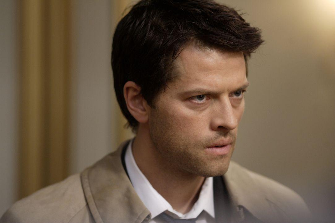 Die Apokalypse rückt immer näher. Castiel (Misha Collins) und Zachariah wollen Dean klarmachen, dass damit seine  große Stunde schlägt ... - Bildquelle: Warner Bros. Television
