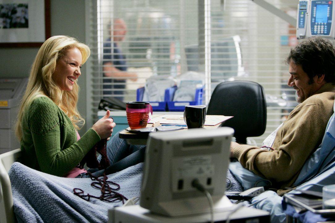 In ihrem Beziehungsleben herrscht eitler platonischer Sonnenschein: Denny (Jeffrey Dean Morgan, r.) und von Izzie (Katherine Heigl, l.) ... - Bildquelle: Touchstone Television