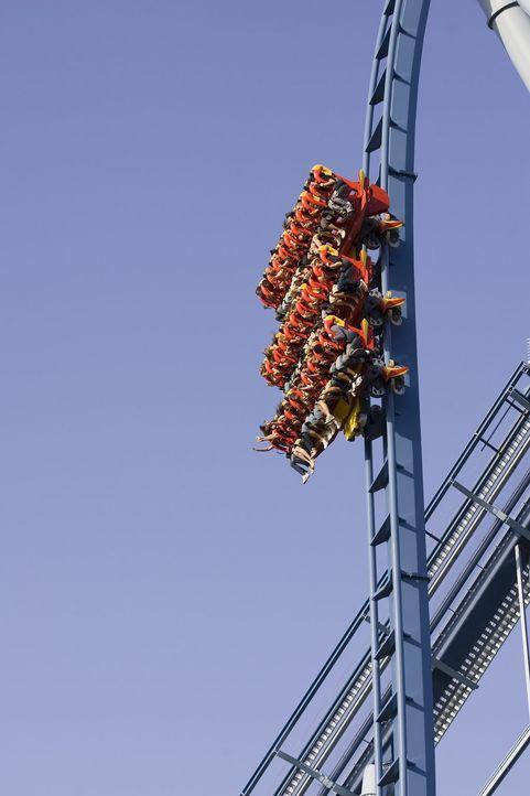 """Die """"Griffon"""" Achterbahn ist die schnelle und höchste Flying Steel Coaster der USA ... - Bildquelle: ProSieben MAXX"""
