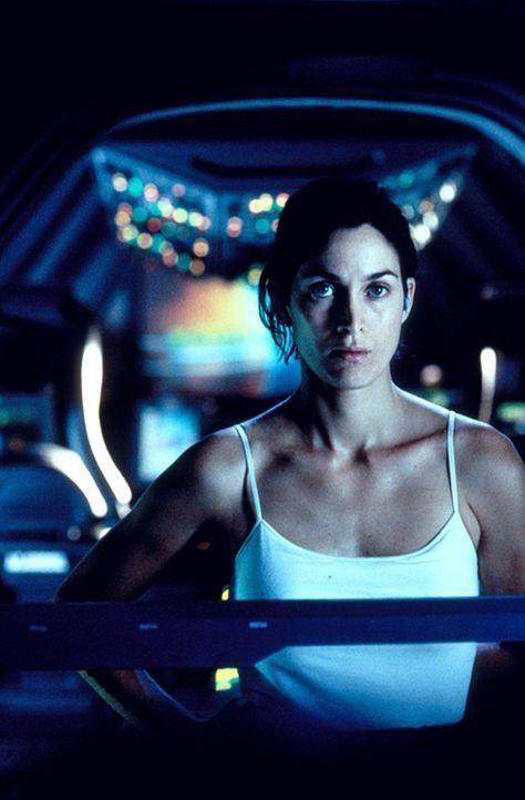 Kopf des Astronautenteams, Kommandantin und Pilotin Kate Bowman (Carrie-Anne Moss), soll eigentlich mit einer Gruppe von Wissenschaftlern die Koloni... - Bildquelle: Warner Bros. Entertainment Inc.