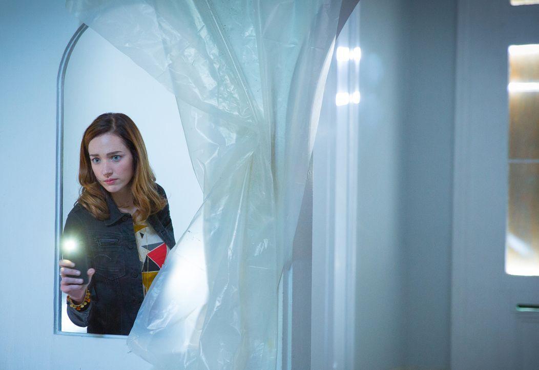 Warum müssen es Ratten sein? Jamie (Kristen Connolly) hat eine Abneigung gegen kleine Nager - ob infiziert, oder nicht ... - Bildquelle: Steve Dietl 2015 CBS Broadcasting Inc. All Rights Reserved.